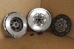 240mm clutch & flywheel kit 2.0 TDi Common Rail VW Audi Skoda Seat Genuine parts
