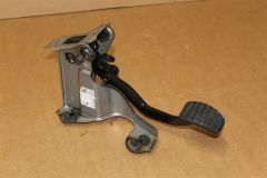Pedal & bracket A4532902000 New Genuine Mercedes Part