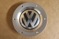 Single VW Wheel Centre Cap avec VW Logo 6N0601171 BXF New Genuine VW part
