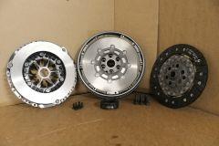 Dual Mass Flywheel and clutch kit VW Transporter 1.9 TDi 2003 - 2010 Genuine VW parts