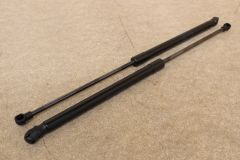 VW Polo 9N 2002 - 2010 PAIR of tailgate struts 6Q6827550C x2 New genuine VW parts